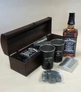WGB Jack Daniels 0,7l, 40%, plech.kelímky, plácačka, spona