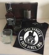 Truhla Jack Daniel´s NO7 0,7l + tričko + plácačka + 2 sklo